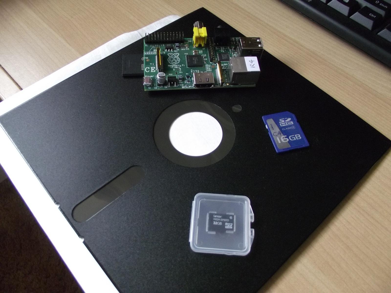 R4_Eight_Inch_Floppy.jpg